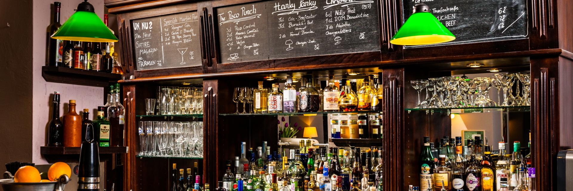 Trinkkultur: Alte Bar im Gastraum der Weintanne © Weintanne Gasthaus & Bar, Foto: Sebastian Reuter