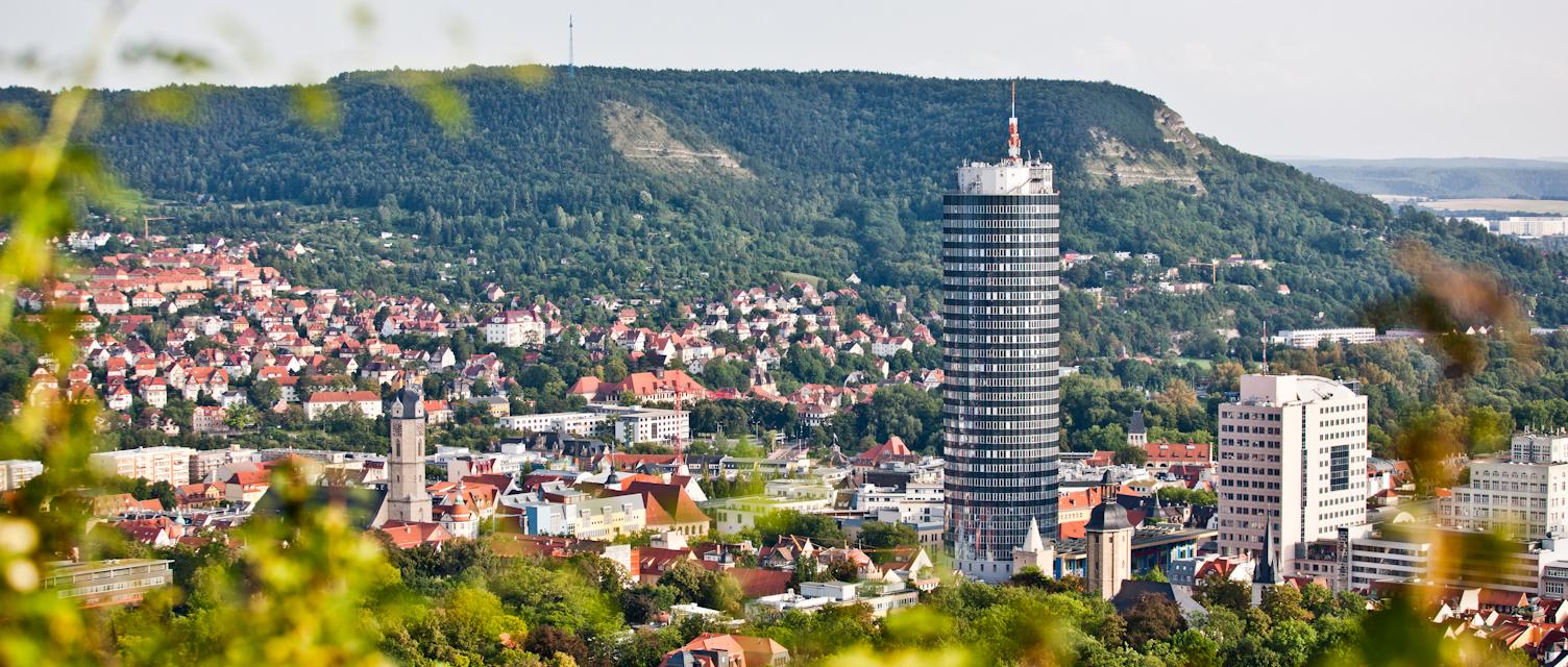 Blick vom Landgrafen auf Jena und JenTower